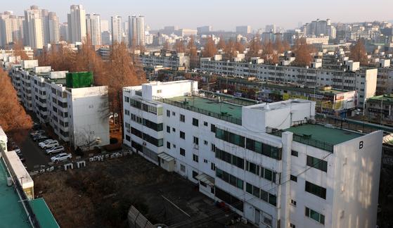 """국민 82% """"집값 안떨어질 것…구입 희망 가격은 3억3000만원"""""""