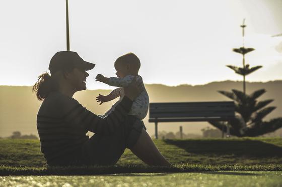무한경쟁시대를 사는 가족은 아침이면 뿔뿔이 흩어져 밖으로 나가기 때문에 서로의 눈을 마주하고 관심 어린 대화를 나눌 시간이 없다. [사진 pixabay]