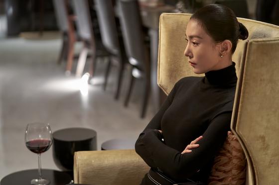 드라마 'SKY캐슬'에서 입시코디네이터 김주영(김서형)이 등장하는 한 장면. [사진 JTBC]