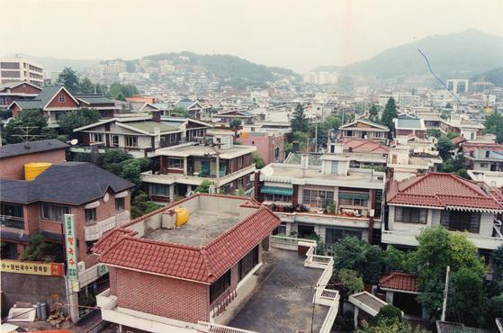 서울 강북 연희동 일대의 단독주택 밀집지역. [중앙포토]