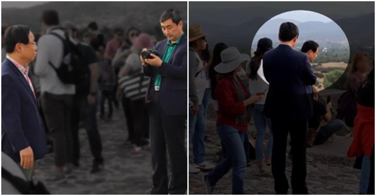 지난해 12월 28일 멕시코 테오티와칸 피라미드 유적지에서 이종걸 의원이 이주영 의원의 사진을 찍어주고 있다. 사진 오른쪽은 김정재 의원의 모습. [사진 JTBC 방송 캡처]