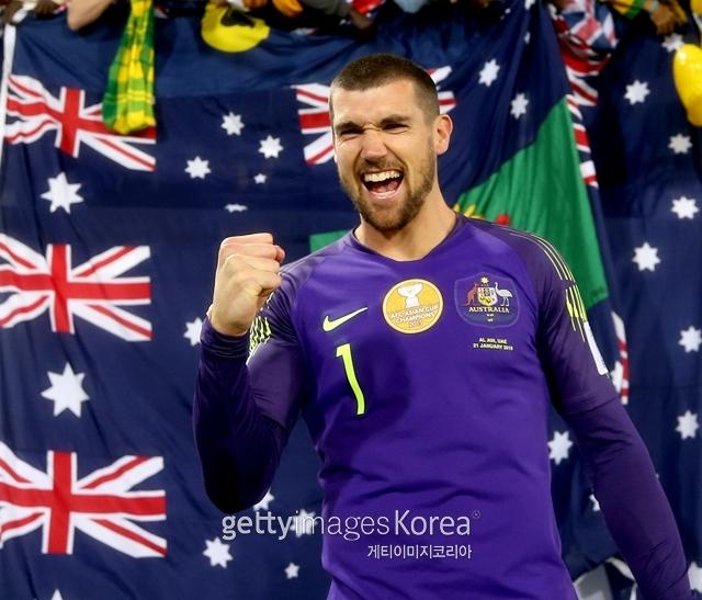21일 2019 AFC아시안컵 16강 호주와 우즈베키스탄의 경기가 열렸다. 승부차기까지 가는 혈투 끝에 호주가 4-2로 승리했다. 매튜 라이언 호주 대표팀 골키퍼는 2번이나 선방하며 호주의 8강행을 이끌었다.