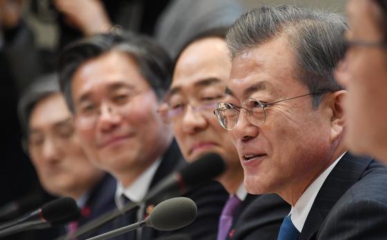 文 국민연금 주주권 적극 행사…대기업 탈법·위법 막겠다