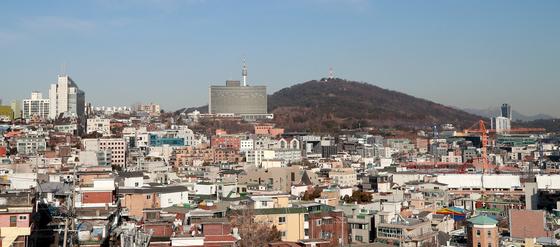 서울 표준주택 공시가 17.75% 상승, 초고가 단독 밀집지역 급등   [연합뉴스]