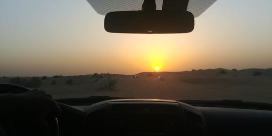 아시안컵이 열리고 있는 아랍에미리트 두바이에서는 사막 사파리 투어를 즐길 수 있다. 두바이=박린 기자