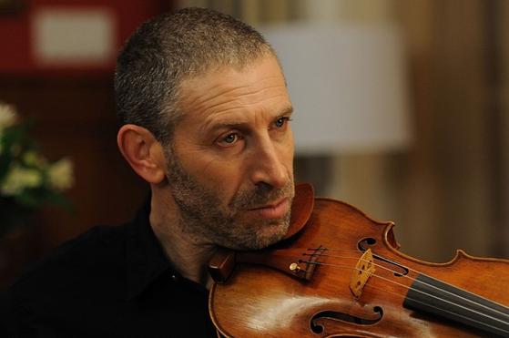 '푸가'의 제1 바이올리니스트 다니엘 역의 마크 이바니어.