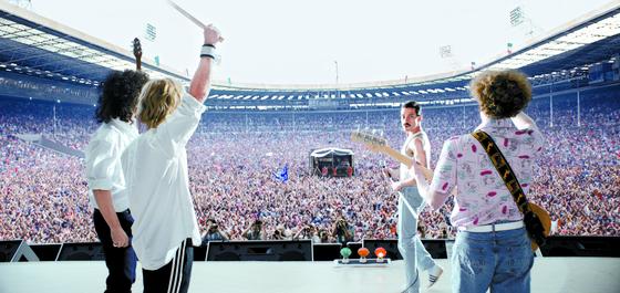 영국 밴드 퀸의 음악을 소재로 신드롬을 일으킨 영화 '보헤미안 랩소디'. [사진 이십세기폭스코리아]