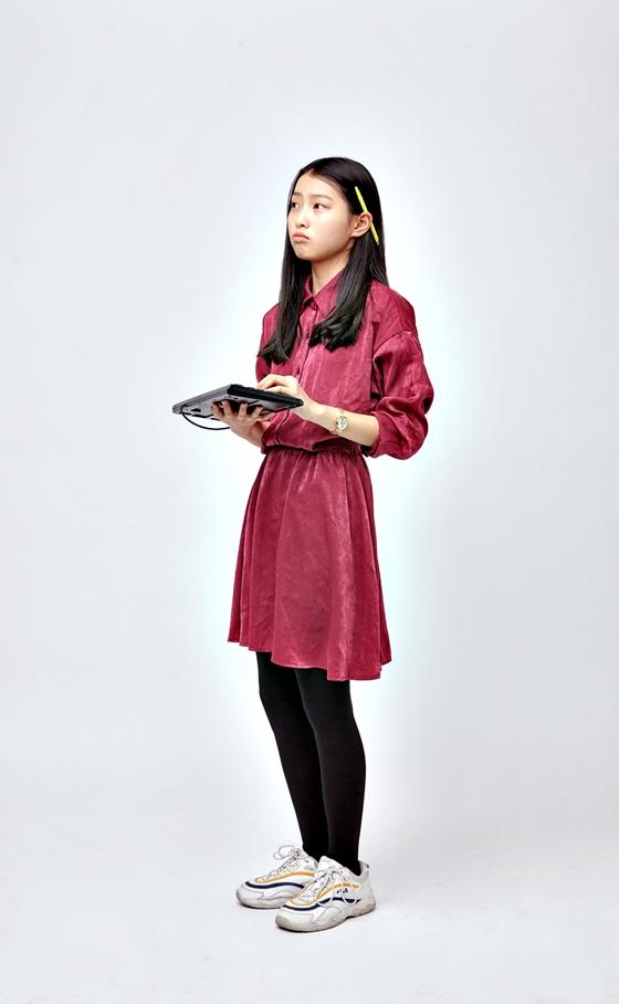 이현진 학생모델은 방송반에서 언론인의 꿈을 키운 적이 있다. 지금은 그 꿈이 유효한지 잘 모르겠단다.