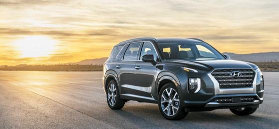 대형 SUV 팰리세이드는 다양한 편의장비을 적용하면서 합리적인 가격을 제시해 주목받고 있다. [사진 현대자동차]