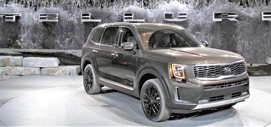 올해 현대·기아차는 미국 시장에서 SUV 중심으로 신차 라인업을 보강하며 상품 경쟁력 강화에 집중한다. 기아차는 대형 SUV 텔루라이드를 앞세워 판매 회복에 나선다. 현대차는 하반기에 대형 SUV 팰리세이드를 선보인다. 사진은 텔루라이드. [사진 현대차그룹]