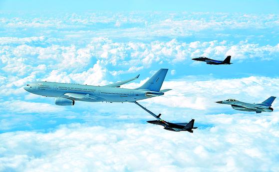 한국 첫 공중급유기 실전 배치