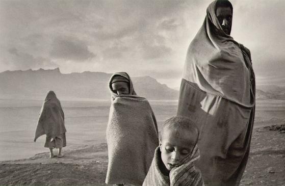 에티오피아 난민들(1984년). [사진 세바스티앙 살가두]