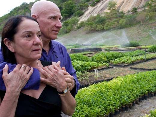세바스티앙 살가두와 그의 아내 레일리아. [사진 인스티튜트 테라]