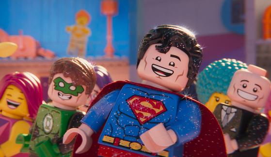 아기자기한 레고와 기발한 유머로 사랑받은 애니메이션 '레고 무비'가 2편으로 돌아왔다. [사진 워너브러더스 코리아]