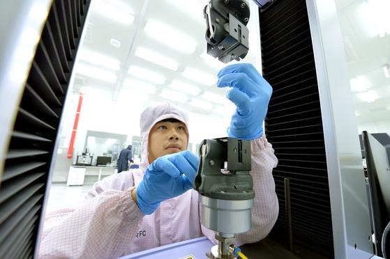 현대모비스가 세계 최초로 구축한 수소전기차 핵심부품 일괄 생산라인. [사진 현대모비스]