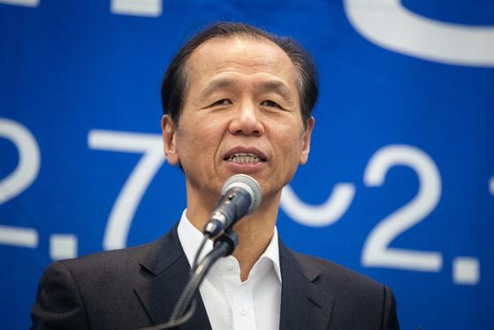 최문순 강원도지사가 평창올림픽 1주년을 기념해 개최할 'AGAIN 평창' 행사를 설명하고 있다. [뉴스1]