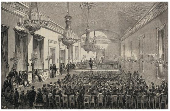로셰슈아르(Rochechouart) 가(街)의 플레옐 홀(Salle Pleyel) -에두아르 르나르 Edouard Renard의 스케치를 바탕으로 한 목판화. 쇼팽은 파리에서의 대중 연주회는 모두 플레옐 홀에서 가졌다. 피아노 제작자 플레옐은 피아노 쇼룸 겸 음악 연주홀을 만들었다. 110석 규모이었던 것을 1839년에는 로셰슈아르 가에 300석 규모의 큰 홀로 만들었다. 지금의 포부르 생 오노레(Fourourg Saint-Honore) 가의 홀은 1927년 새로 꾸민 홀이다. 플레옐 홀은 파리 최고의 콘서트 홀로 꼽히는데 첫 개관이래 파리 문인과 예술가들의 명소였고 파리 문화를 얘기할 때 빼놓을 수 없는 곳이다. [출처: L'illustration (9 June 1855)]