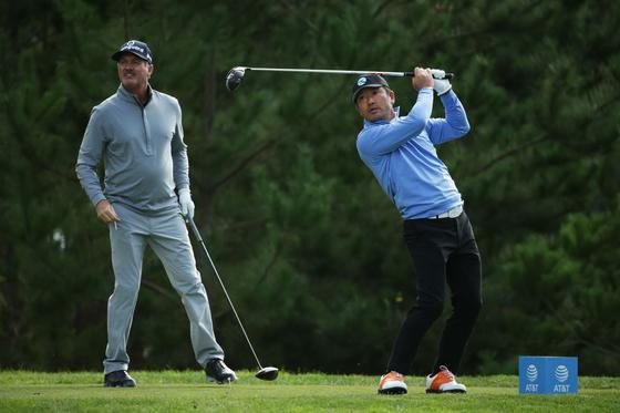 최호성이 8일 열린 PGA 투어 AT&T 페블비치 프로암 18번 홀에서 티샷하고 있다. [AFP=연합뉴스]