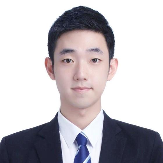 2012학년도 수학능력시험 만점자 김승덕(26)씨. [사진 김씨 제공]