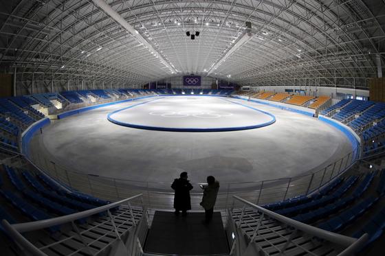 지난 2018 평창 동계올림픽이 열렸던 강원도 강릉시 올림픽파크. 스피드 스케이팅 경기장은 막대한 유지관리 보수비용 때문에 현재는 문이 닫혔다. 김상선 기자