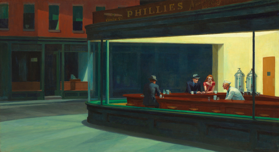 미국의 화가 에드워드 호퍼(Edward Hopper)의 '밤을 지새우는 사람들'(1942년). 에드워드 호퍼의 작품은 도시인의 고독감을 잘 담아내고 있다. 호퍼는 빛을 이용해 고독으로부터 탈출하고 싶은 인물의 어두운 내면을 더욱 잘 나타냈다. [출처 위키피디아]