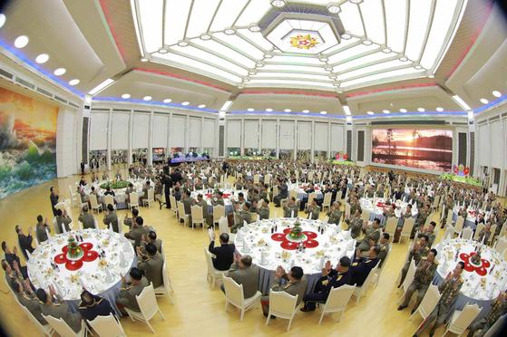 건군절 행사가 8일 북한 인민무력성에서 열렸다. [연합뉴스]