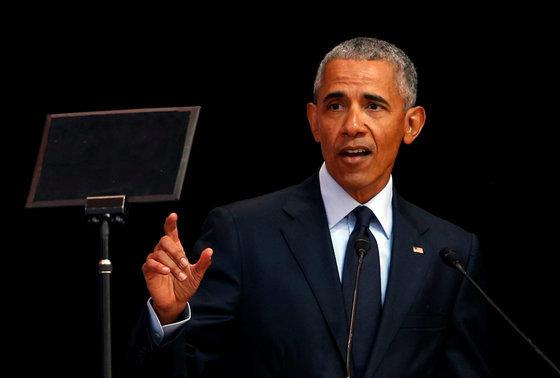 버락 오바마 미국 전 대통령이 남아프리카 공화국 요하네스버그에서 열린 넬슨 만델라 탄생 100주년 연설에 참여해 연설하는 모습. 오바마 대통령은 해당 연구에서 분석적 말하기 69점을 받았다. [로이터=연합뉴스]