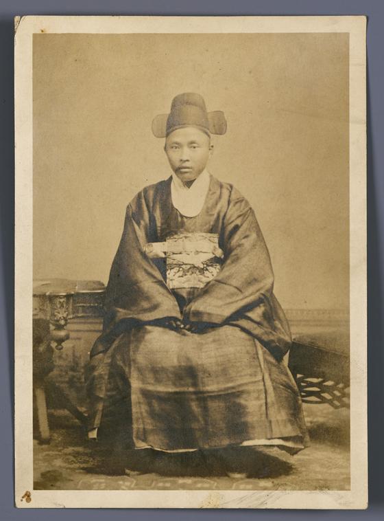 이상재(1850~1927) 주미공사관 재직시절 모습. 1888년워싱턴 DC에서 촤령했다고 한다.[사진 문화재청]