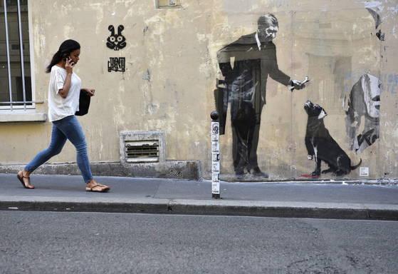 프랑스에 그려진 뱅크시의 그림 [EPA=연합뉴스]