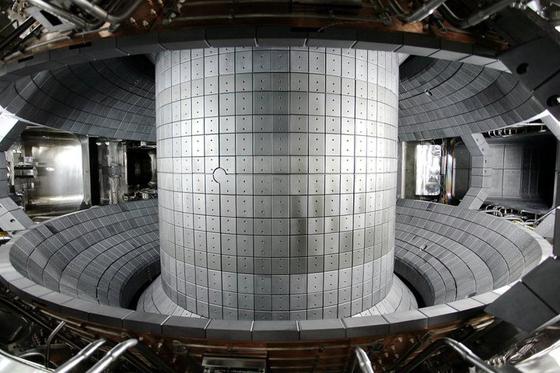 KSTAR의 초전도 토카막 내부. [사진 국가핵융합연구소]