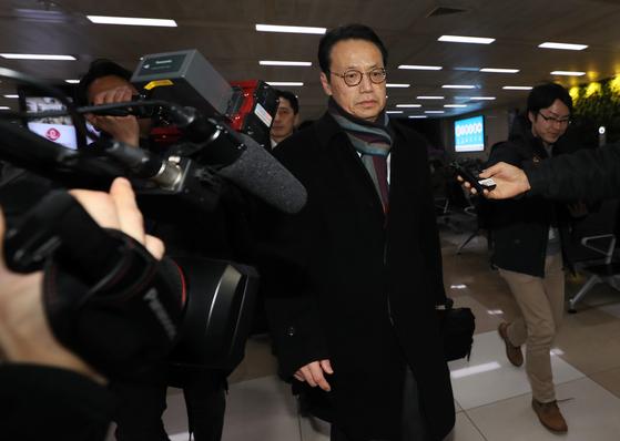 가나스기 겐지 외무성 아시아대양주 국장이 8일 오후 서울 강서구 김포공항을 통해 입국하고 있다. [연합뉴스]