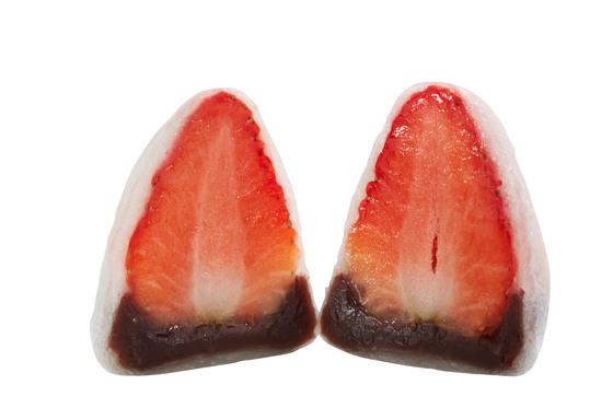 딸기가 들어간 찹쌀 모찌처럼 음식물의 재료가 쉽게 확인된다면 특허권자는 침해자를 비교적 쉽게 제재할 수 있다. [중앙포토]