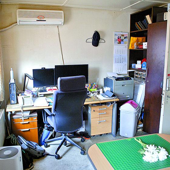 고 윤한덕 센터장 사무실, 남루한 간이침대