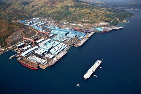 한진중공업이 운영하고 있는 필리핀 수비크 조선소의 전경. 수비크 조선소 경영 악화에 따라 한진중공업이 자본잠식 상태에 빠졌다. [사진 한진중공업]