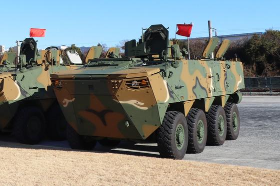 보병전투용 장갑차는 바퀴 축은 4개, 총 8개 바퀴로 움직인다.[사진 현대로템]