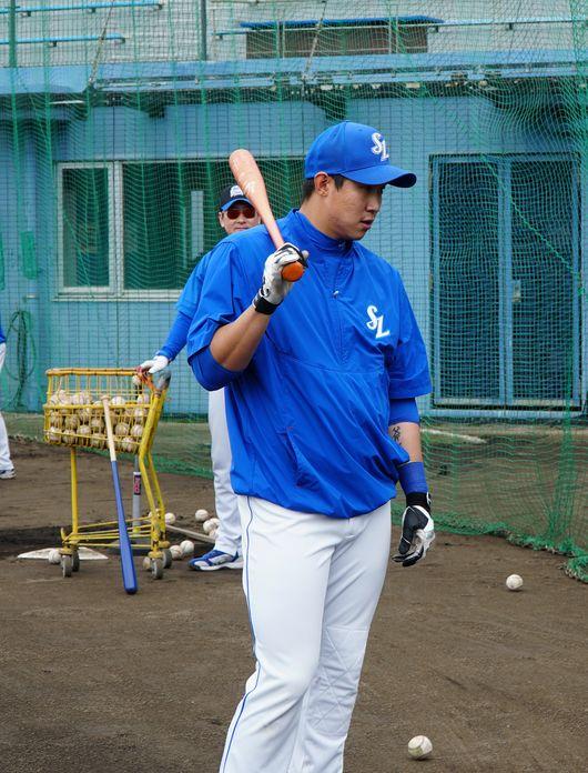 삼성 유니폼을 입고 차근차근 시즌을 준비하고 있는 김동엽. 타석에서의 선구안이 항상 문제로 지적됐지만 타이밍에 집중하며 단점을 수정하고 있다. 삼성 제공