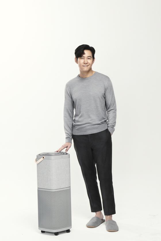 외국 가전 업체들이 한국 공기청정기 시장을 정조준하고 있다. 스웨덴 가전 기업 일렉트로룩스는 지난 11일 공기청정기 신제품 '퓨어 A9'을 한국에서 세계 최초로 출시했다. [사진 일렉트로룩스]