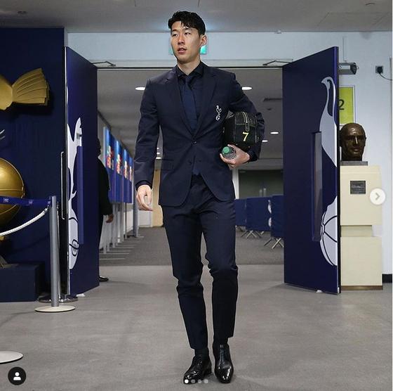 축구 유니폼이 아닌 슈트를 입은 잉글랜드 토트넘 공격수 손흥민. [토트넘 인스타그램]