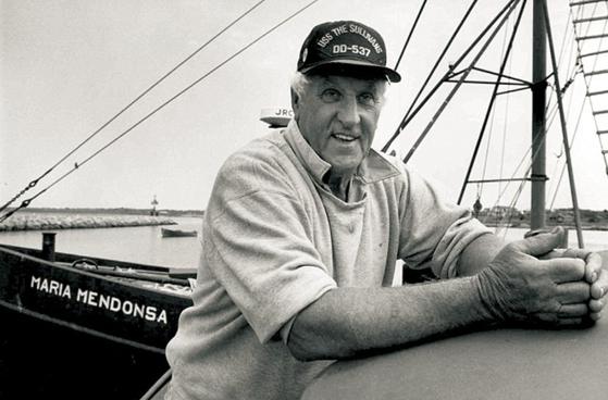'수병과 간호사' 의 사진속 주인공 조지 멘도사. 그는 해군 전역이후 어업에 종사했다. [AP=연합뉴스]