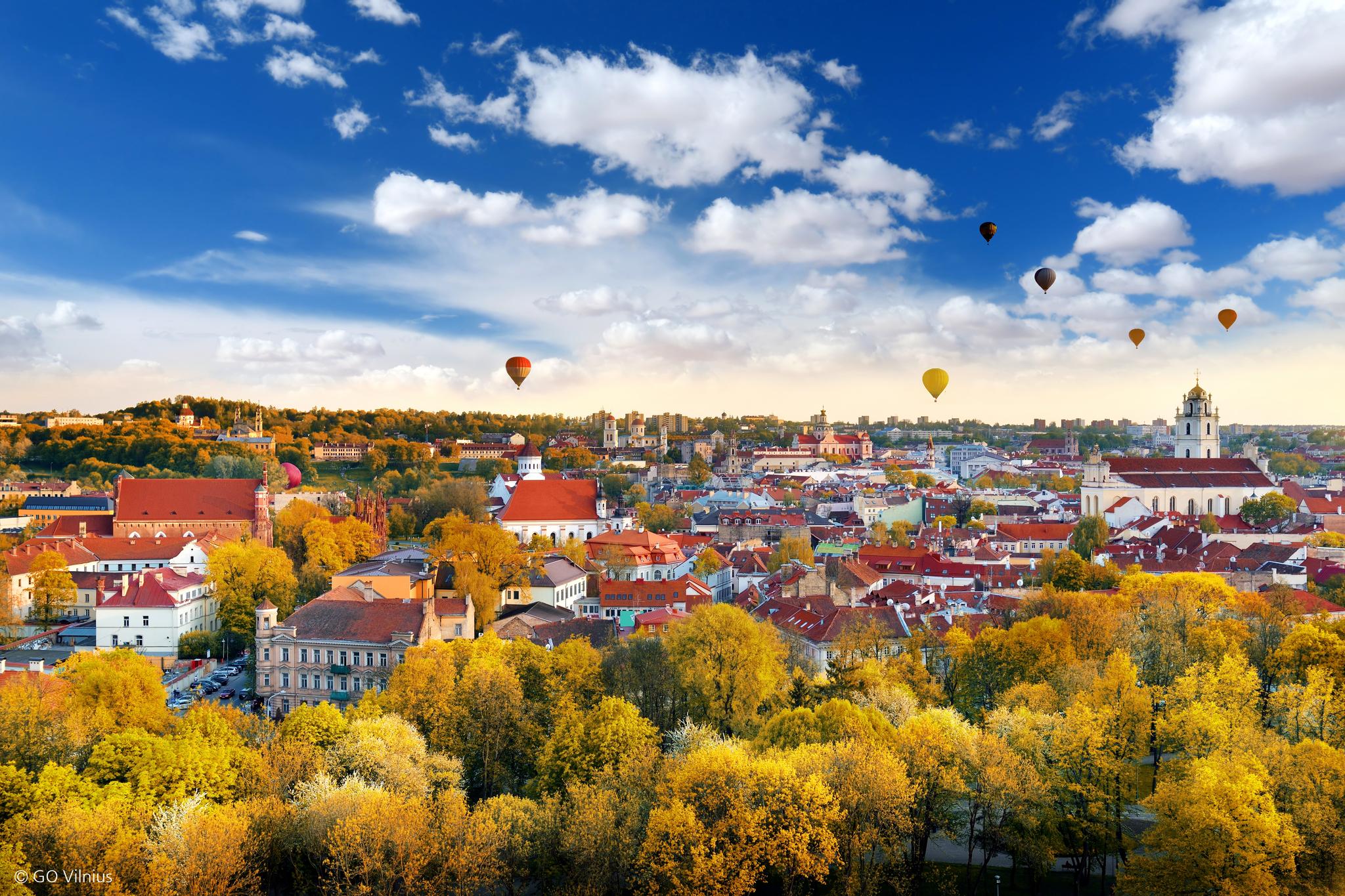 올해 유레일 글로벌패스로 여행할 수 있는 나라가 3곳(영국·리투아니아·마케도니아) 추가됐다. 사진은 유네스코 세계문화유산으로 지정된 리투아니아 수도 빌뉴스. [사진 유레일]