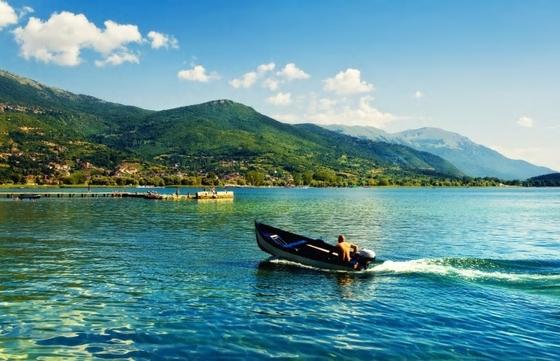 마케도니아의 오흐리드 호수. [사진 유레일]