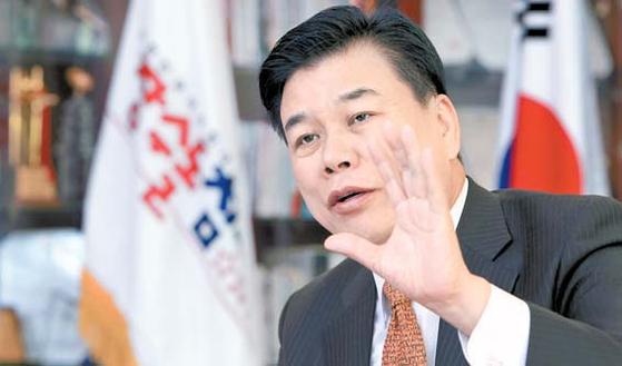 최창환 회장은 고객을 진심으로 대하는 나눔경영을 강조했다. [사진 장수산업]