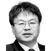 이철호 중앙일보 칼럼니스트