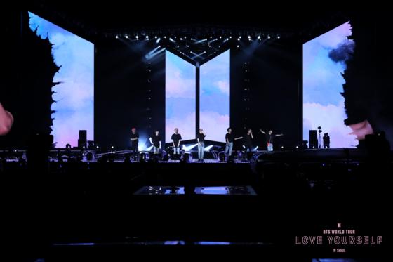 BTS 콘서트 실황다큐 '러브 유어셀프 인 서울' 국내외 196만명 동원