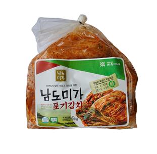7회 김치 품평회에서 대상을 차지한 주식회사 왕인식품의 남도미가 김치