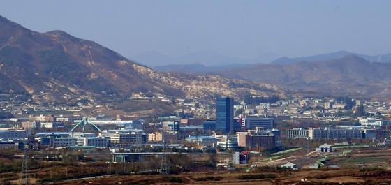 경기 파주시 도라산전망대에서 바라본 개성공단 모습. [국회사진기자단]