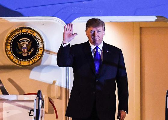 트럼프 대통령, 베트남 하노이 도착 [연합뉴스]