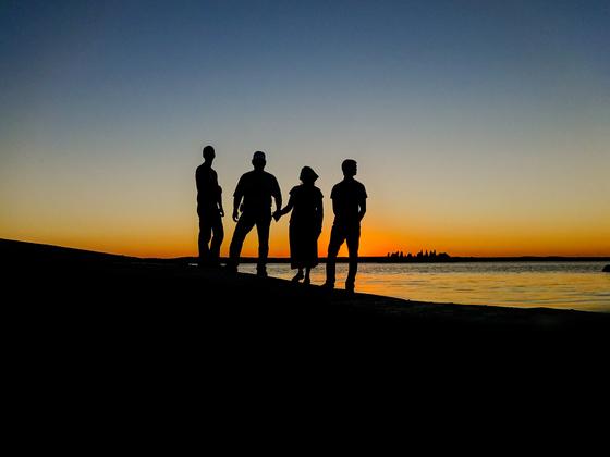 친구, 남과의 여행보다 가족과의 여행에서 신경 쓰고 챙겨야 할 마음이 더 많습니다. 당신은 인생의 여행길에서 가족, 아내, 남편에게 호인인가요? [사진 pixabay]