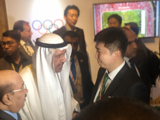 OCA 선수관계위원장에 취임한 유승민 IOC 위원(오른쪽). [사진 국제스포츠전략위원회]