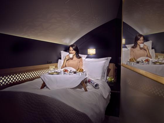 오는 7월 한국 노선에 선보일 에티하드항공 A380 기종의 '더 레지던스' 객실. 2인용 더블침대를 갖췄고, 거실·샤워실도 따로 있다. [사진 에티하드항공]
